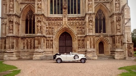 Wedding car Beverley Minster